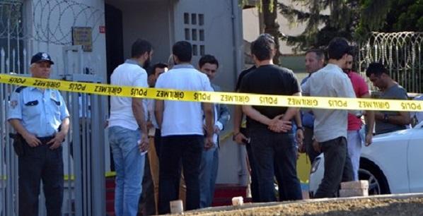 Etiler'de silahlı saldırı: 4 yaralı