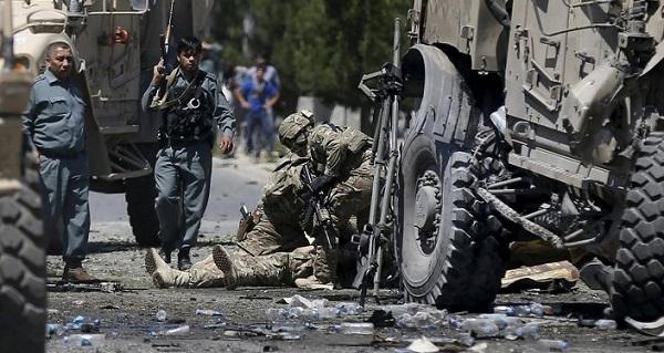 Afganistan'da ABD üssü hedef alındı: 25 ölü