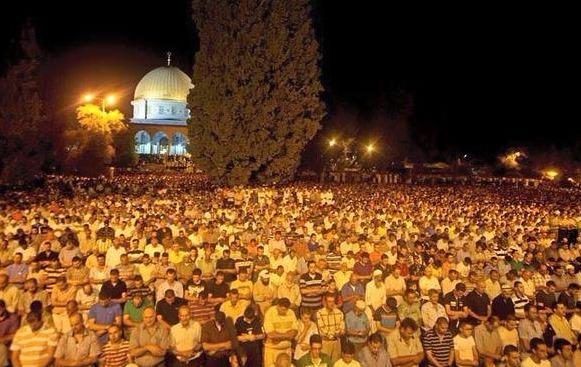 Mescid-i Aksa'da Kadir Gecesi yoğunluğu