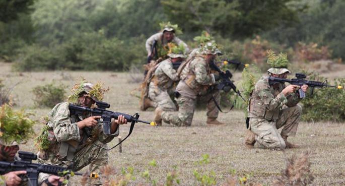 NATO'dan Doğu Avrupa'ya 4 bin asker