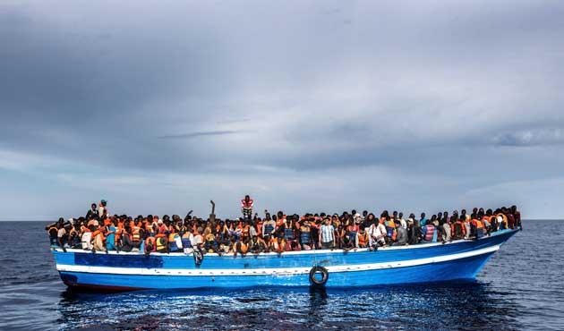 Kaçak göçmenlerin cesetlerle yolculuğu