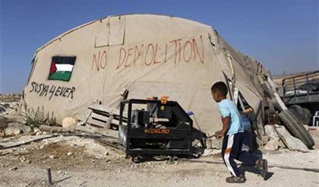 Filistinli köylüler, işgalcilerin yıkım kararına direniyor