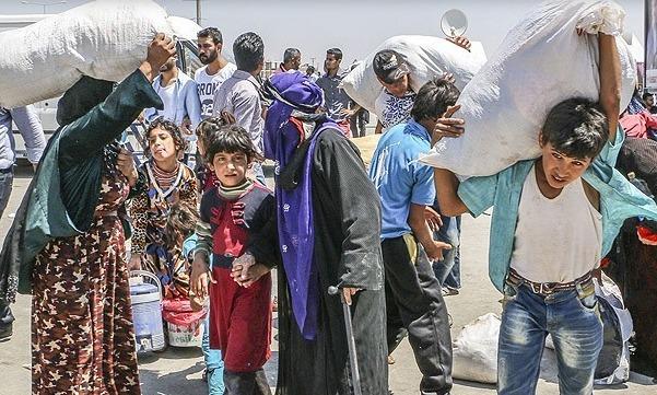 PYD Sırrin'de sivilleri sürmeye başladı