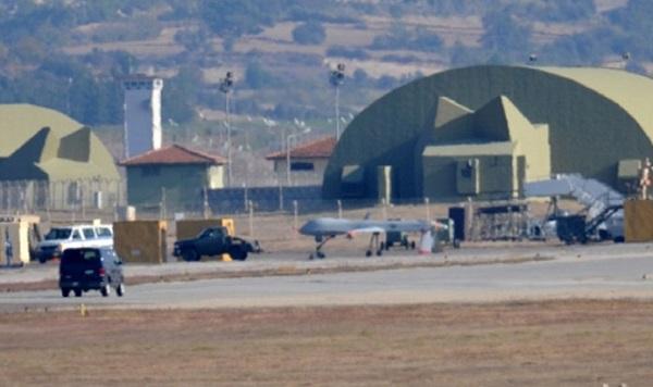 ABD'nin 8 savaş jeti Adana'ya geldi