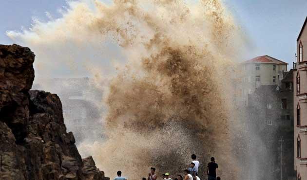 Çin'de tayfunun bilançosu artıyor