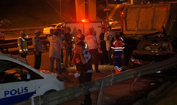 Vatan Caddesi'nde kaza: 3 ölü, 2 yaralı