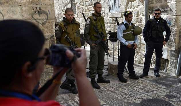 Yahudi işgalciler Filistinli şoförü darbetti