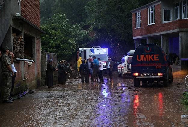 Artvin'de 18 konut tahliye edildi