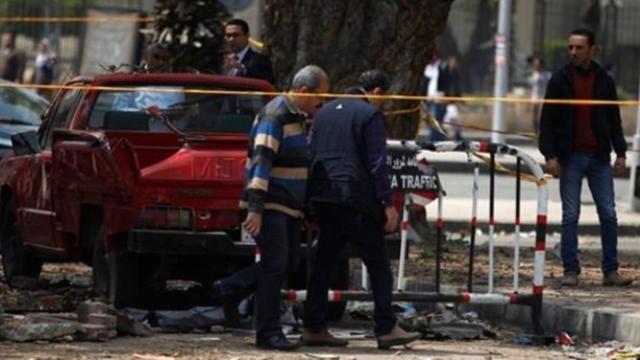 Mısır'da polis aracına saldırı: 2 polis öldü