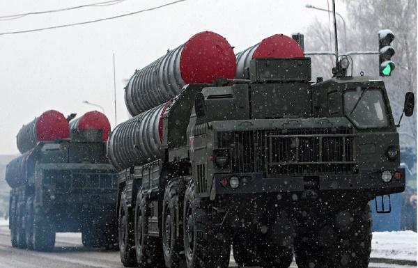 Rusya, İran ile S-300'ler için anlaştı