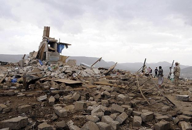 Filistinli işçilerden evleri yıkılan ailelere yardım