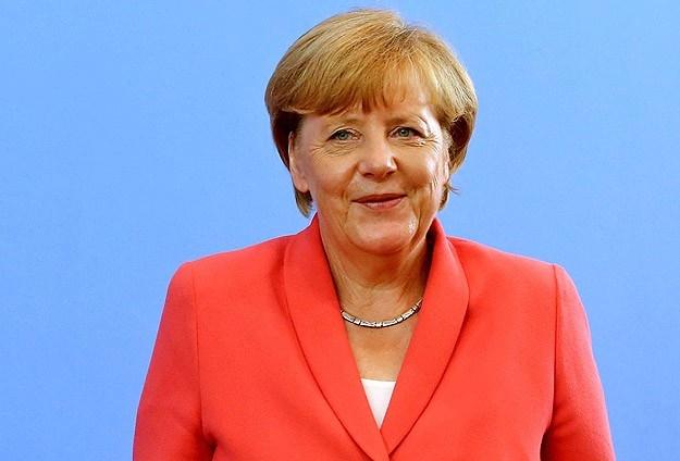 Merkel'den sığınmacılar konusunda Türkiye'ye övgü