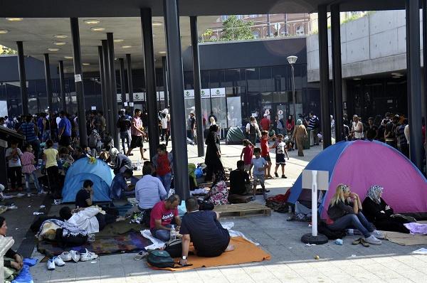 Avrupa 120 bin göçmen için anlaştı