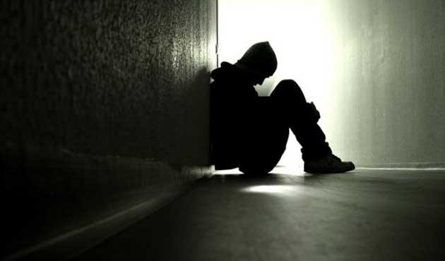 Her yıl 800 bin kişi intihar ediyor