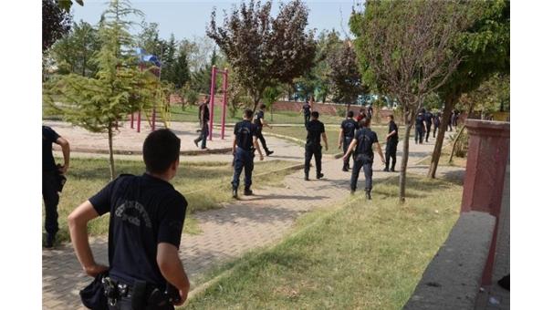 Parka bomba yerleştirmeye çalışanlar yakalandı