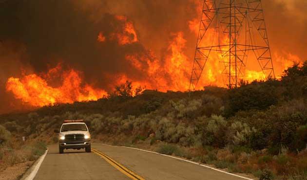 ABD'de 'tarihin en büyük yangını' sürüyor
