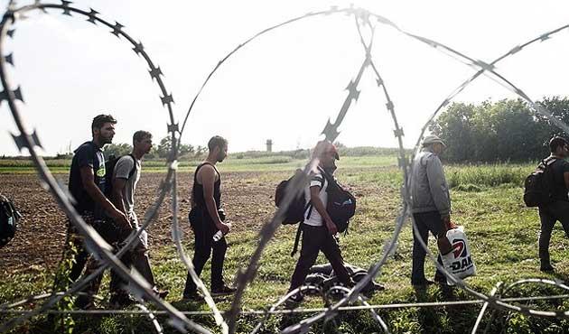 Macaristan Hırvatistan sınırına da tel örgü çekecek