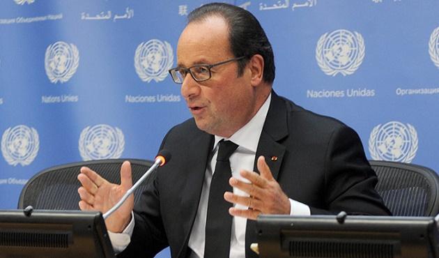 Hollande: Esad iktidardan uzaklaştırılmalı