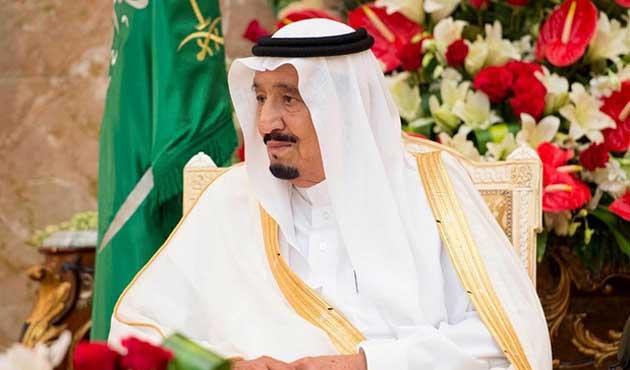 Suudi Kral'dan önce 16 kamyon eşyası geldi