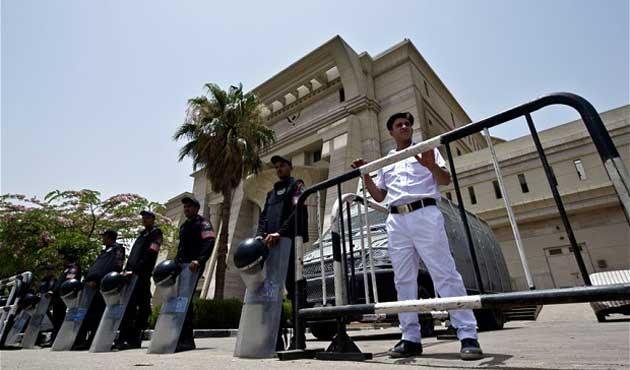 Askeri mahkemeden darbe karşıtlarına ceza yağdı