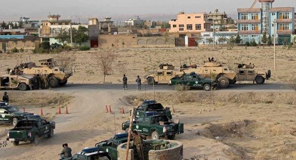 Pakistan Talibanı'ndan IŞİD'e halifelik tepkisi