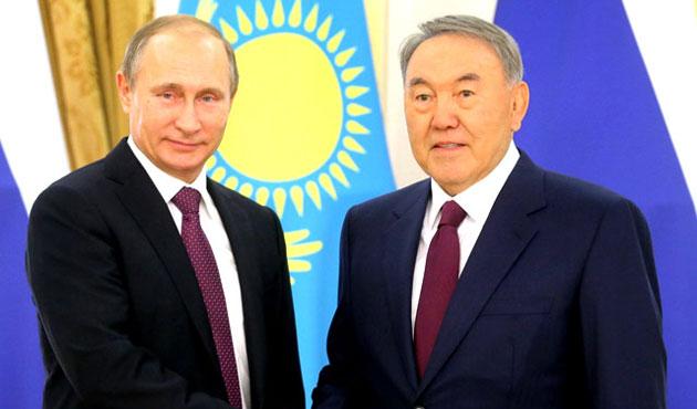 Putin ve Nazarbayev Suriye'yi görüştü