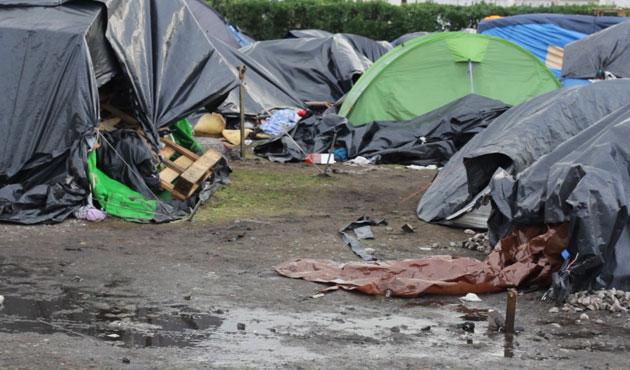 Fransa'da sığınmacı sayısı iki kat arttı