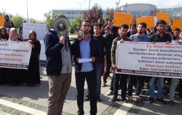 Diyarbakır'daki karikatür skandalına tepkiler dinmiyor