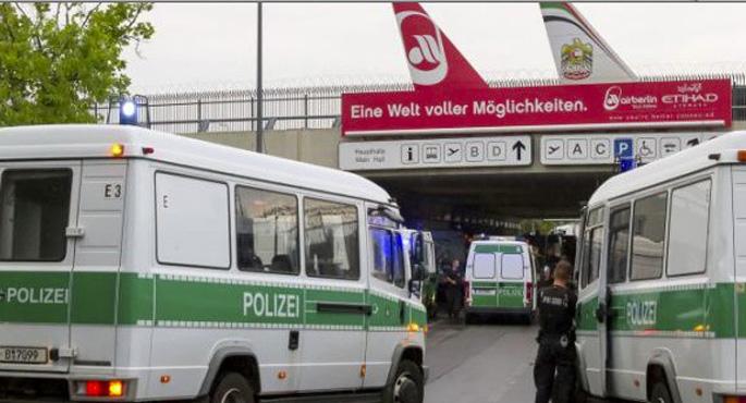 Almanya, sığınmacıları geri göndermeye başlıyor