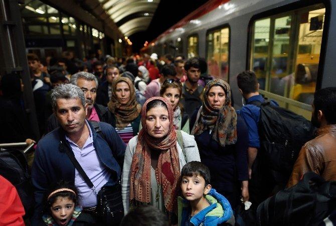 Alman milletvekili: Mültecilere değerler anlaşması imzalatalım