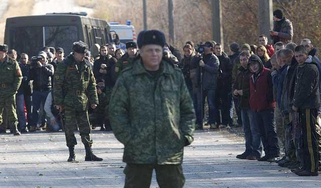 Ukrayna askerleri savaşmadan ölüyor