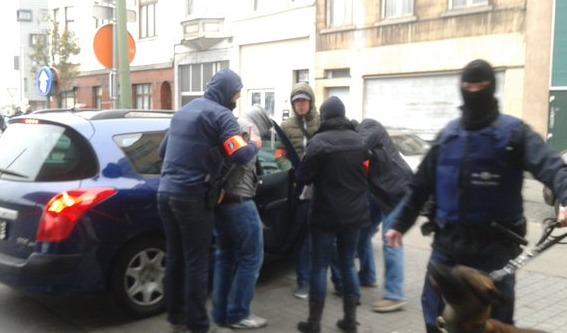 Paris'in planlayıcı zanlısı Belçika'da gözaltında