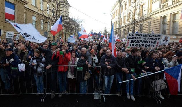 Çek Cumhurbaşkanı İslam karşıtı mitingde