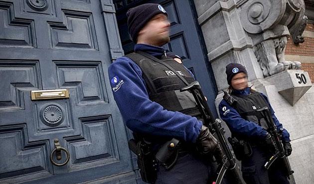 Körüklenen bölünmeden yeni güvenlik yasasına Belçika