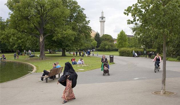 İngiltere'de Müslümanlara yönelik nefret suçları artıyor