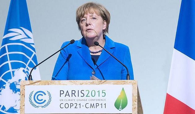 Merkel'den karbon salınımı temennisi