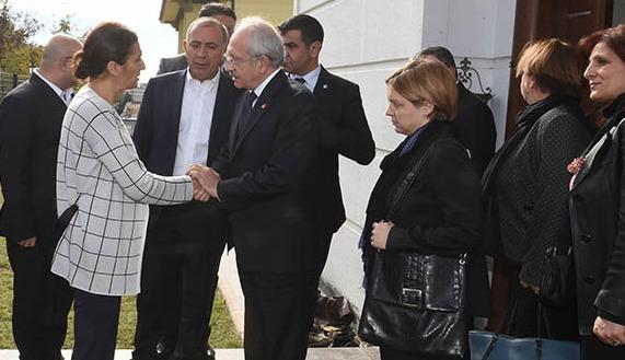 Kılıçdaroğlu'dan Tahir Elçi'nin ailesine ziyaret