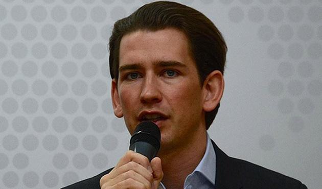 Avusturya'dan mültecilere adalarda gözaltı teklifi