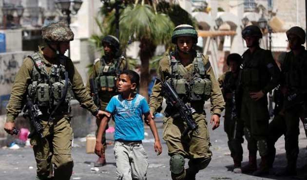 İsrail yine çocukları gözaltına aldı