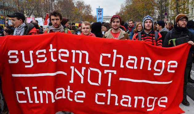 Paris'te iklim değişikliğine karşı gösteri