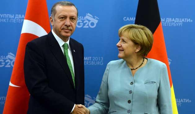 Çipras'tan Erdoğan ve Merkel'e davet