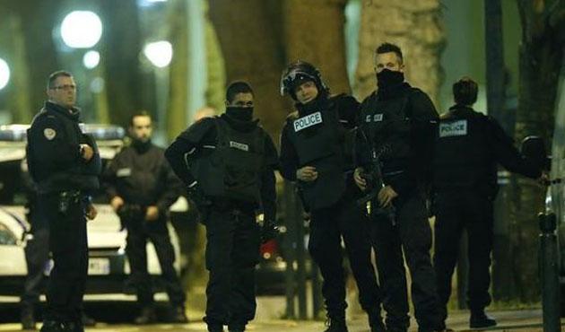 Paris saldırıları şüphesiyle iki kişi tutuklandı