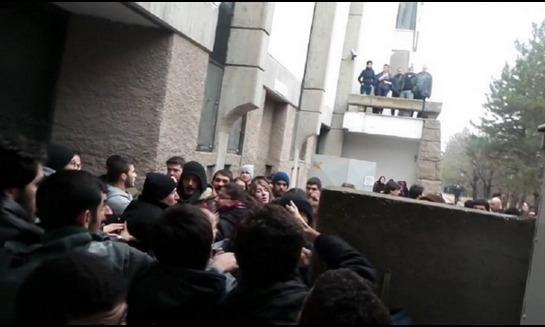 ODTÜ'de namaz kılan öğrencilere saldırı