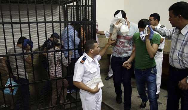 Mısır'da bir yılda 17 bin muhalif gözaltına alındı