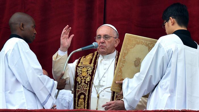Yunanistan'da dindar Ortodokslar Papa'yı istemiyor