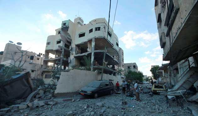 İsrail, Filistinli göstericilere gerçek mermi kullandı