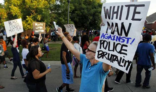 ABD'de oyuncak silahlı çocuğu öldüren polise ceza yok