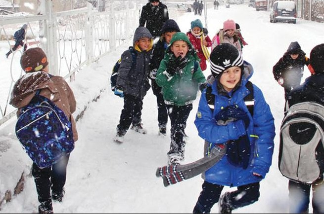 Bazı illerde eğitime kar engeli