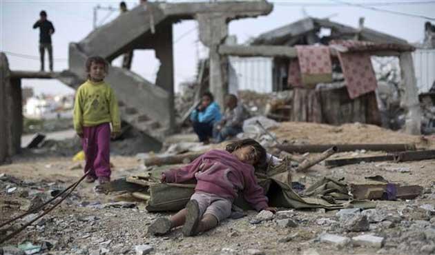 Suriye'de 250 bin çocuk 'kuşatılmış bölgelerde'...