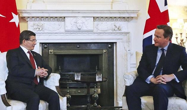 Başbakan Davutoğlu ile Cameron bir araya geldi